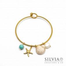 Bracciale bangle in acciaio color oro con conchiglia stella marina turchese e perla
