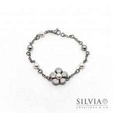 Bracciale a rosario con fiore grigio e perla bianca