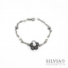 Bracciale a rosario con fiore grigio scuro e perla bianca