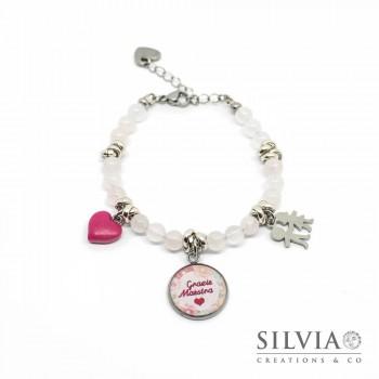 """Bracciale con perle di quarzo rosa ciondolo """"Grazie Maestra"""" e charms"""