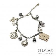 Bracciale Alice inspired grigio con charms