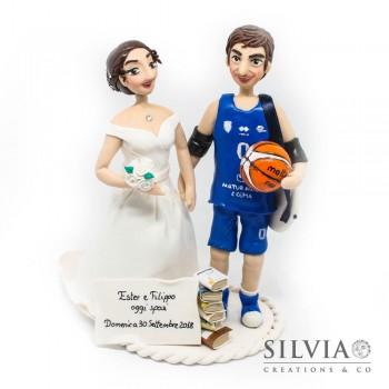Cake topper sposi lui giocatore basket e lei insegnante
