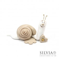 Lumaca bianca e beige con cuore 6x10x4 cm