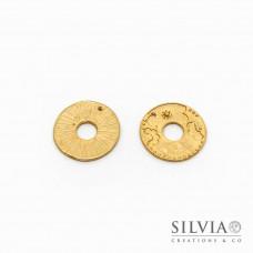 Charm a forma di ovale con trama a fiori oro opaco in zama 28x23 mm