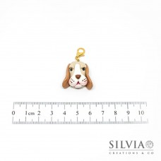 Charm muso cane beagle beige con moschettone