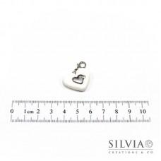 Charm cuore bianco e argento con moschettone