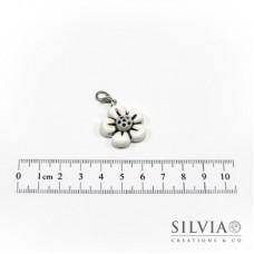Charm fiore bianco e grigio con moschettone