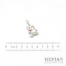 Charm orsetto grigio cuore bianco con moschettone
