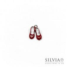 Charm a forma di scarpette rosse smaltate in zama 18x15 mm