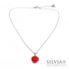 Collana girocollo con catenina in acciaio e rosa rossa