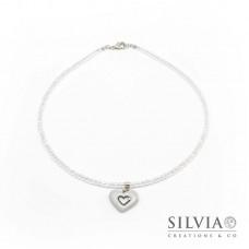 Collana girocollo con cristalli e cuore grigio