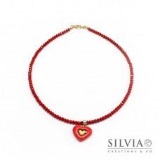 Collana girocollo con cristalli e cuore rosso