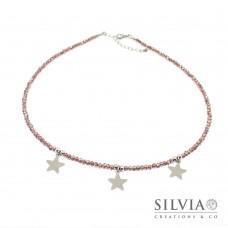 Collana girocollo con cristalli color bordeaux e tre stelle in acciaio