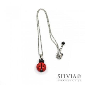 Collana girocollo con catenina in acciaio e coccinella rossa