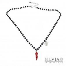 Collana girocollo catena acciaio con cristalli neri cornetto rosso e charm madonna
