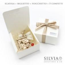 Confezione scatola pieghevole seta bianca per bomboniere