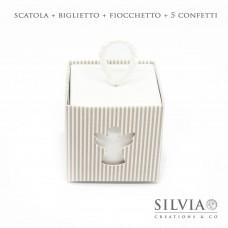 Confezione scatolina quadrata millerighe tortora con angelo per bomboniere