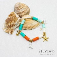 Bracciale cordino con perline heishi colorate e charms a tema mare color oro