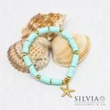 Bracciale elastico con perline heishi azzurro acqua e stella marina oro
