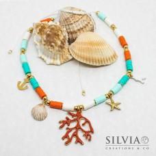 Collana cordino con perline heishi colorate charms marini e rametto corallo