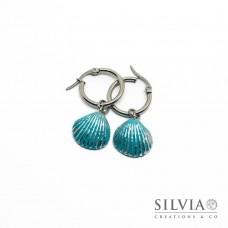 Orecchini pendenti con cerchio in acciaio e conchiglia azzurra e argento
