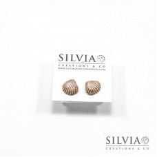 Orecchini a lobo con conchiglia beige e argento 12x10 mm