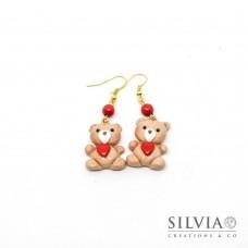 Orecchini pendenti con orsetto peluche e cuore rosso