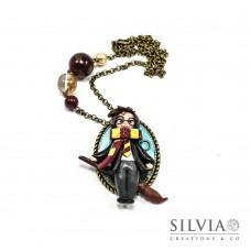 Collana Harry Potter con scopa su cammeo ovale bronzo