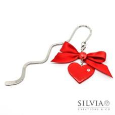 Segnalibro bacchetta rodio con cuore rosso e strass