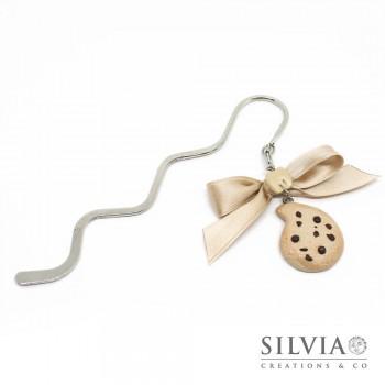 Segnalibro bacchetta rodio con biscotto gocciole