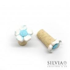 Tappo in sughero con fiore bianco e azzurro